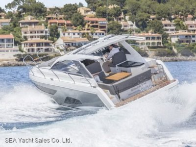 Sealine S330 Loaded with Extras - Save Euro 31,540