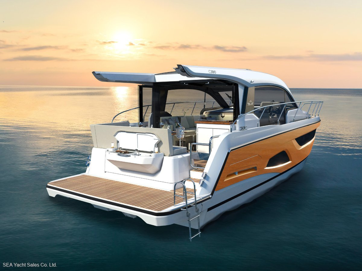 Sealine C390 Loaded with Extras - Save over Euro39,150