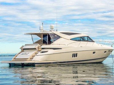 Riviera 5800 Sport Yacht Cummins Zeus