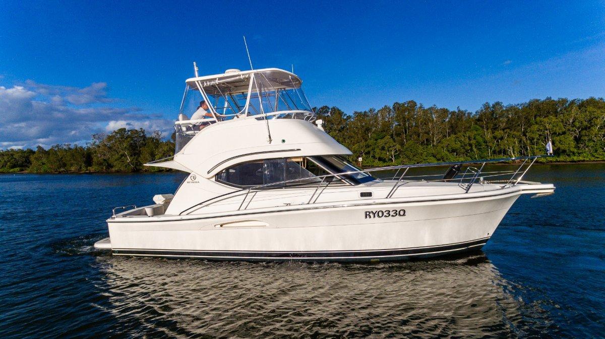 Riviera 33 Open Flybridge S11