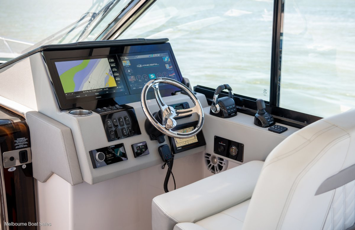 Regal 36 Grande Coupe - EXCEPTIONAL INNOVATION
