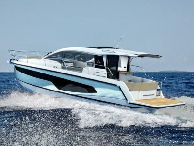 Sealine C330 Loads of Extras - Save EUR 32,860