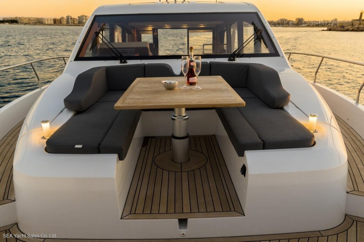Sealine C530 Loads of Extra Features - Save EUR 85,840