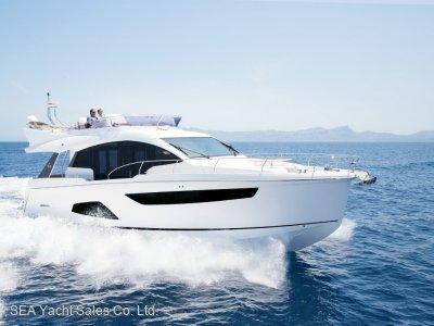Sealine F530 Standard Spec + Free Features Save EUR 39,900