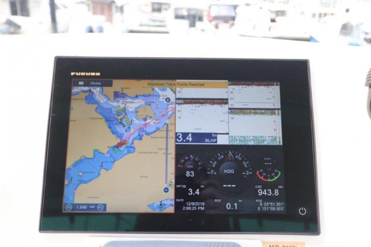 Deep V 260 Flybridge