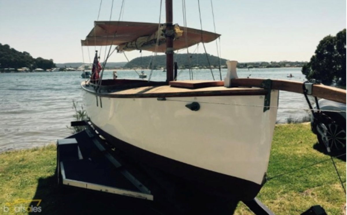 Classic Gaff rigged Day Sailor (make an offer)