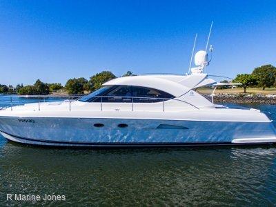 Riviera 4700 Sport Yacht