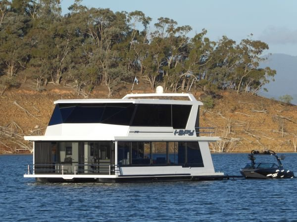 Houseboat Holiday Home on Lake Eildon, Vic.:i-SPY on Lake Eildon