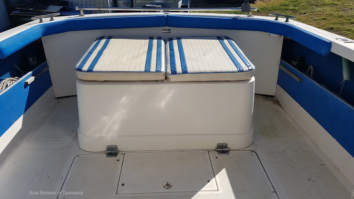 Kei-Mar Bertram 25 Sportsfisher. Easytow tandem trailer. Many extras! Boat Brokers of Tasmania