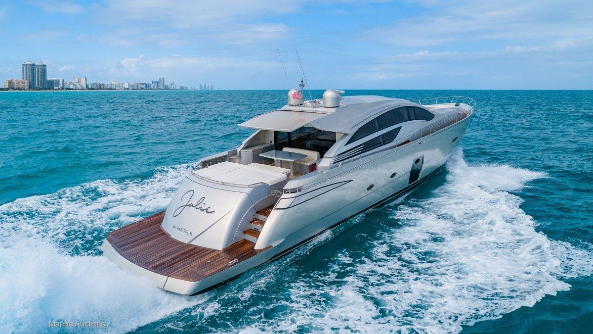 Pershing 80 Luxury