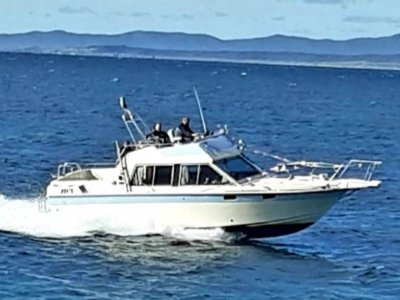 Yamaha Flybridge Cruiser Sc-950 32 ft twin volvo penta turbo diesel