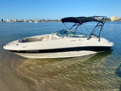 Sea Ray 220 Sundeck SPORTS BOWRIDER- Click for more info...