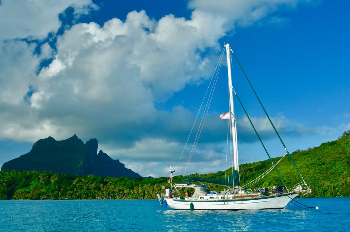 Cabo Rico 38:At anchor in Bora Bora