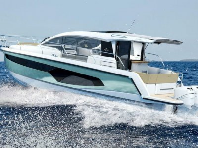 Sealine S330V Outboard Power - Loads of Extras - Save EUR 33,460