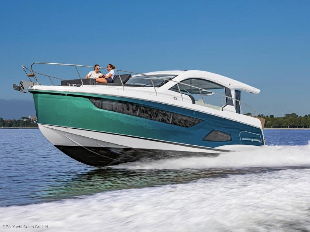 Sealine C390V Loaded with Extras - Save Over Euro 37,470