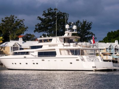 Johnson 96 Motor Yacht - 2006MY