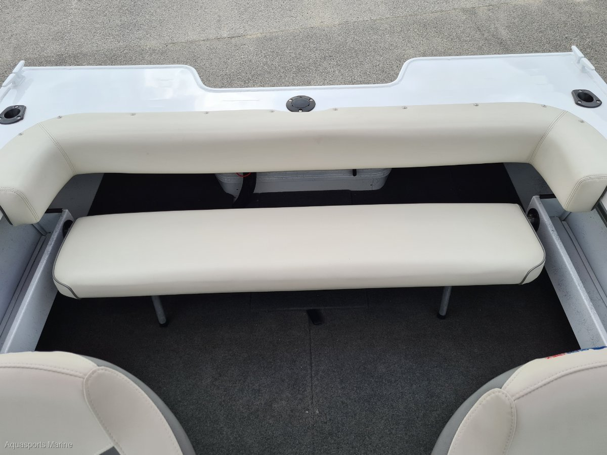Quintrex 481 Cruiseabout Bow Rider
