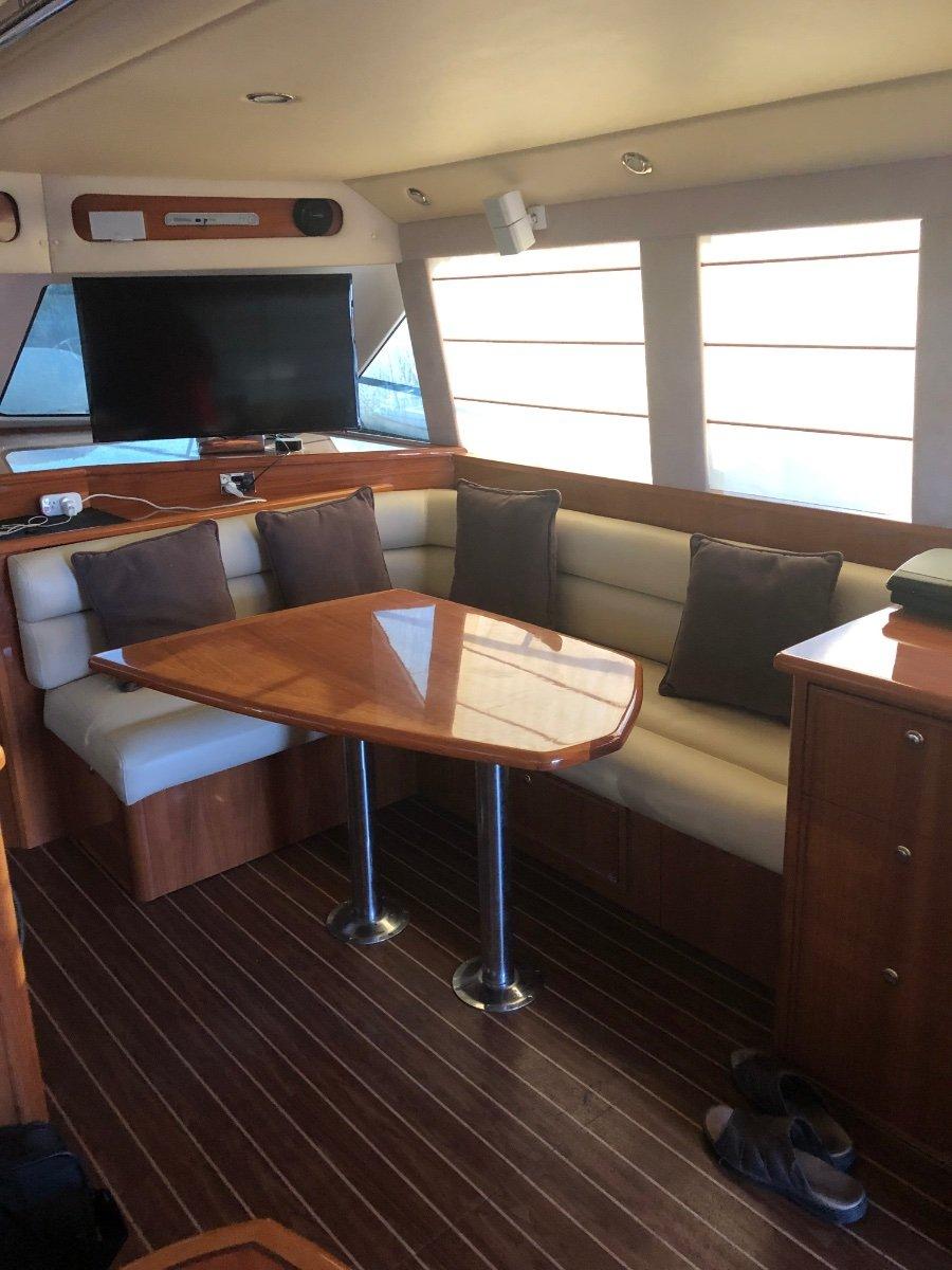 Riviera 51 Enclosed Flybridge
