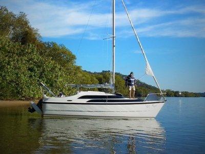 Macgregor 26M Power Sailer