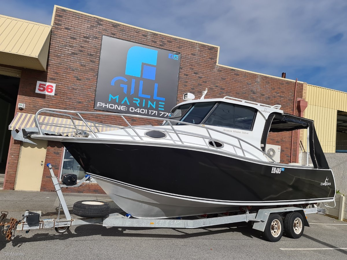 Chivers Bronze Whaler 265HT ONE OWNER FROM NEW.. 110 HOURS OLD.... !!
