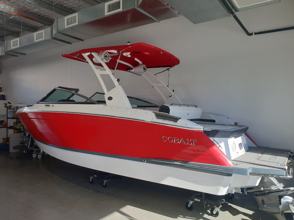 Cobalt R6 FACTORY DEMO -FULL NEW BOAT AND ENGINE WARRANTY