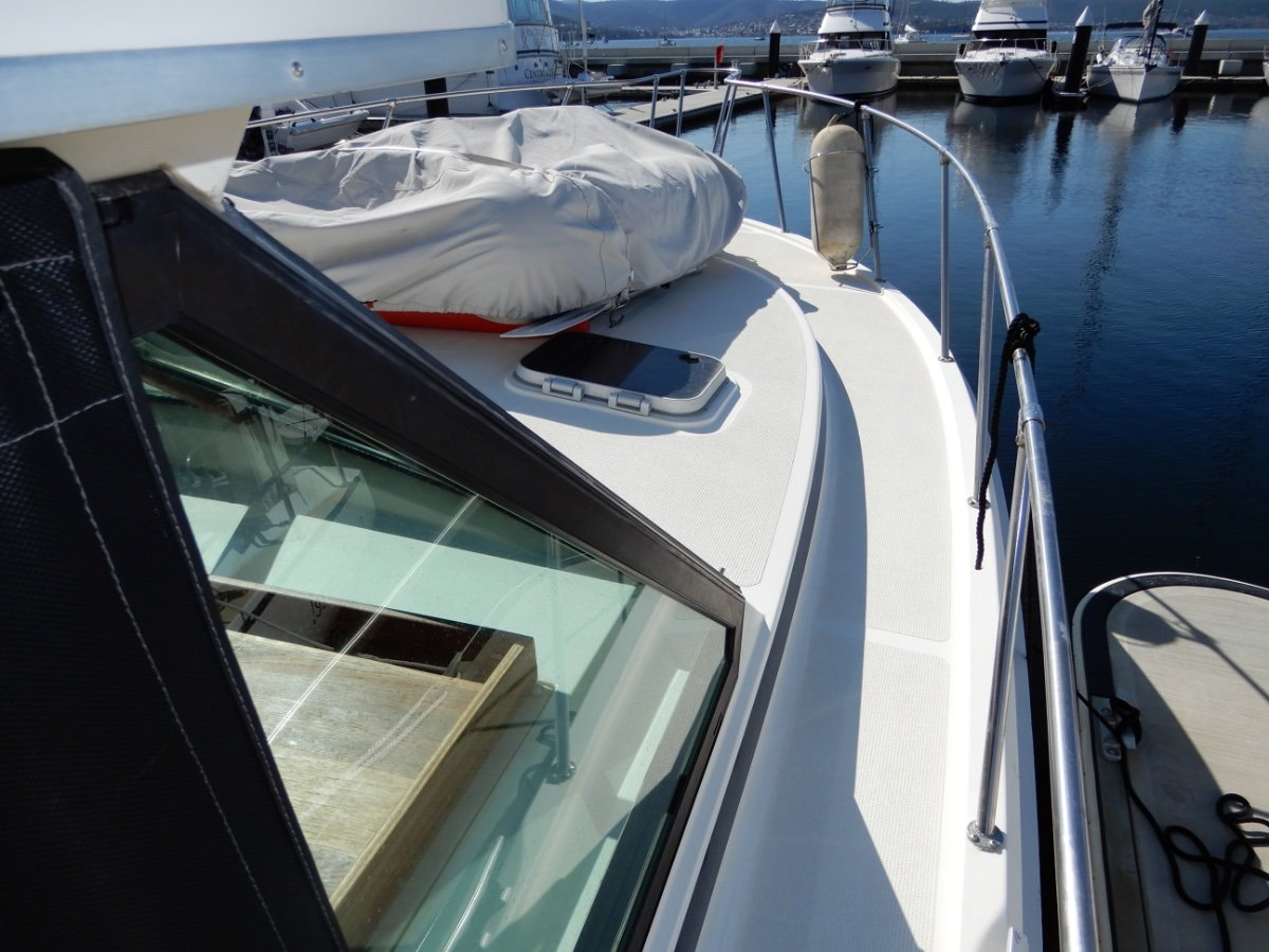 Mariner 3400 Flybridge SUPERB CONDITION WITH MANY UPGRADES!