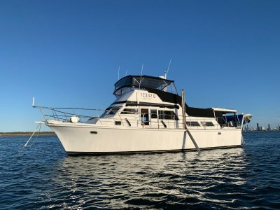 Roberts 42 Flybridge Cruiser aft cabin motoryacht- Click for more info...