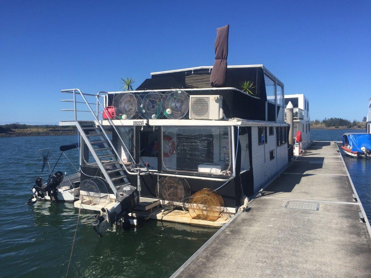 Broadwater Craft Homecruiser 45ft