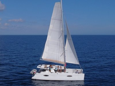 Fountaine Pajot Helia 44 w/ new mast, boom, genoa furler & rigging!