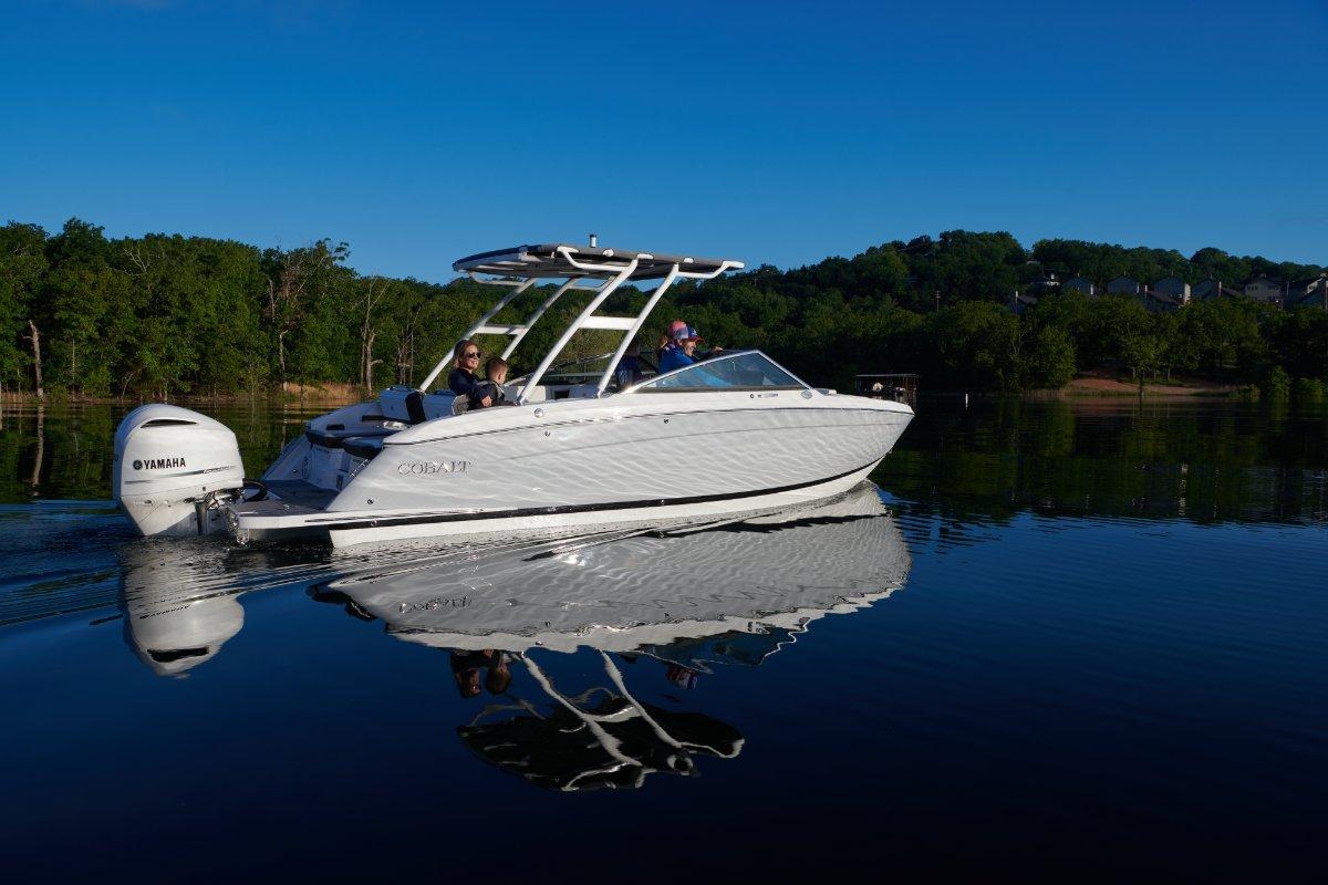Cobalt R6 Outboard NEW MODEL JUST ARRIVED