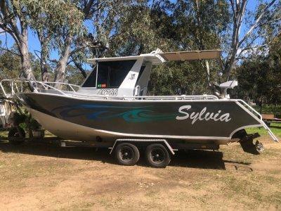 Aluminium Plate Fishing Boat 100 hrs Chev 383