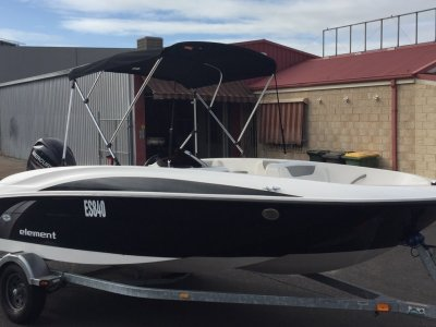 Bayliner Element Semi Tri Hull Bowrider Party Boat