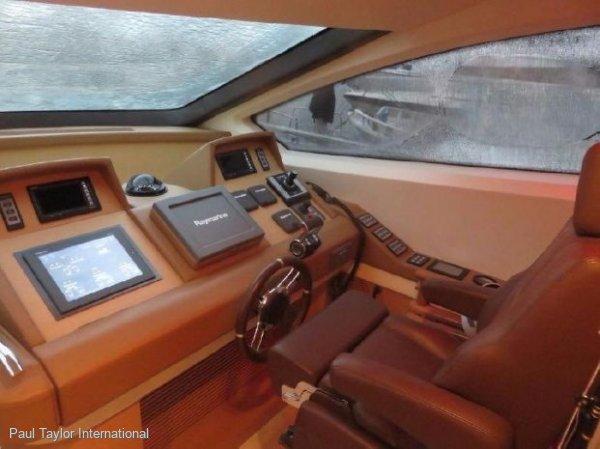 Azimut 78 Flybridge - Low Hours