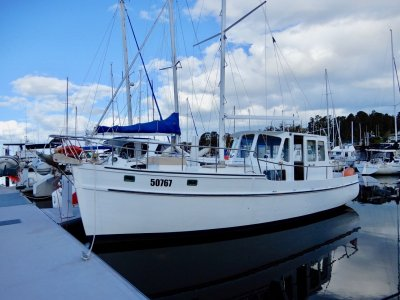 STUNNING HUON PINE MOTORSAILOR, NEW 75HP ENGINE!