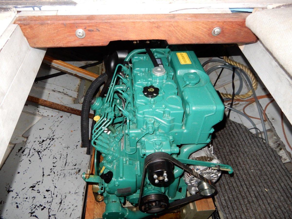 STUNNING HUON PINE MOTORSAILOR, NEW 75HP ENGINE!