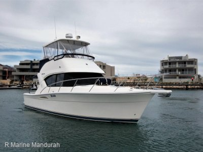 Riviera 3350 Flybridge **THIS JUST HAS TO BE THE PICK** $ 184900**