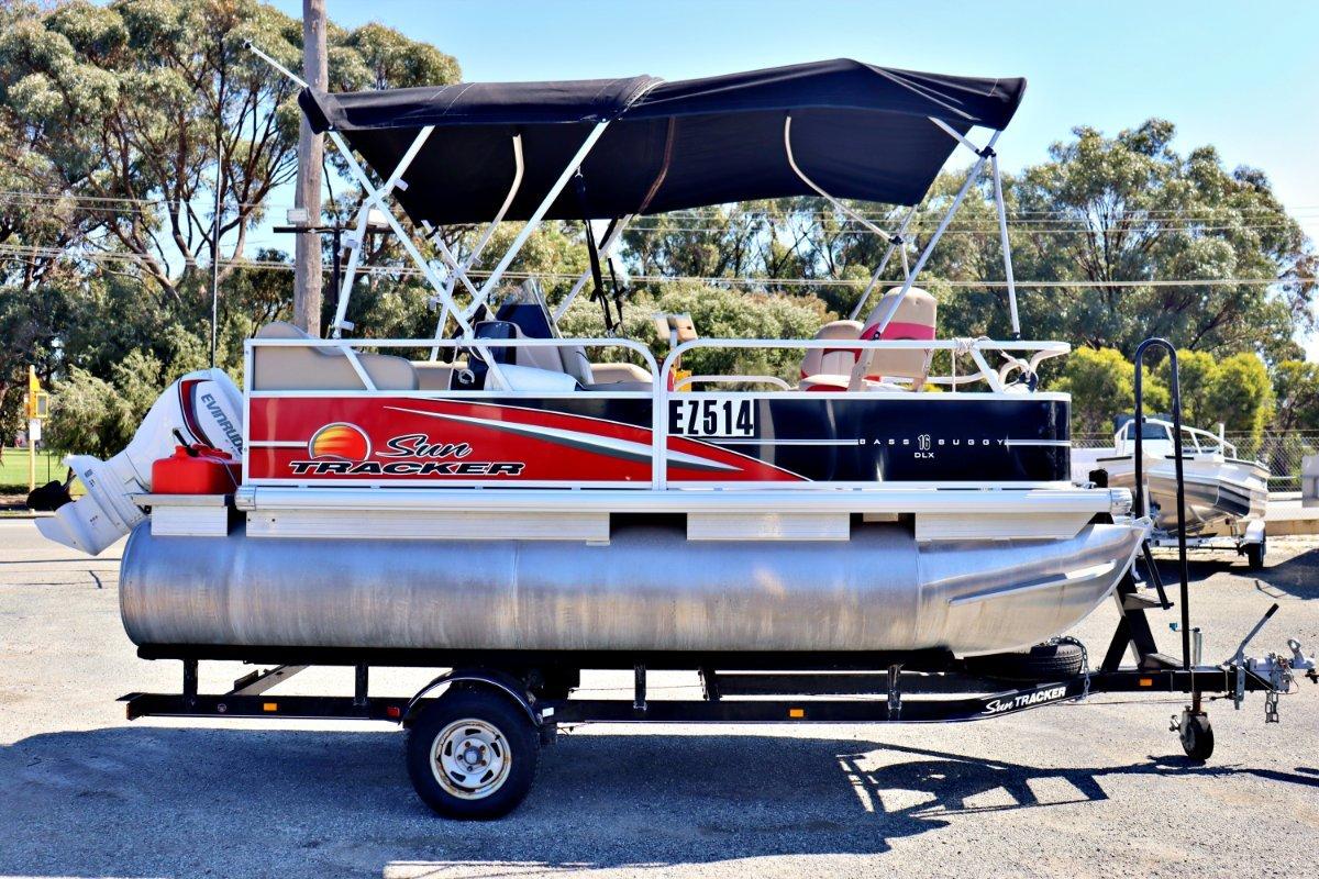 Sun Tracker Bass Buggy 16