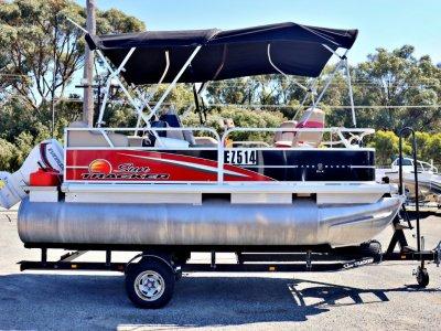 Sun Tracker Bass Buggy 18