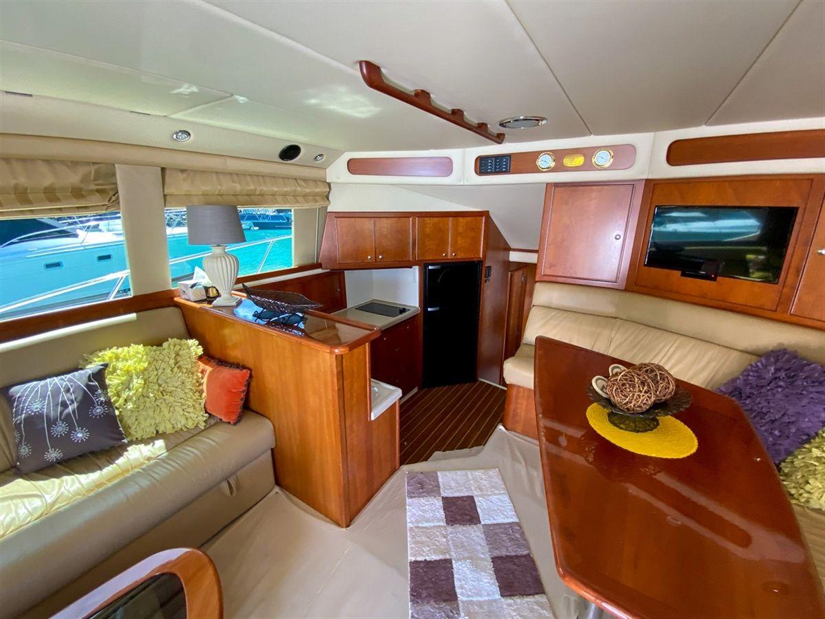 Riviera 47 Open Flybridge
