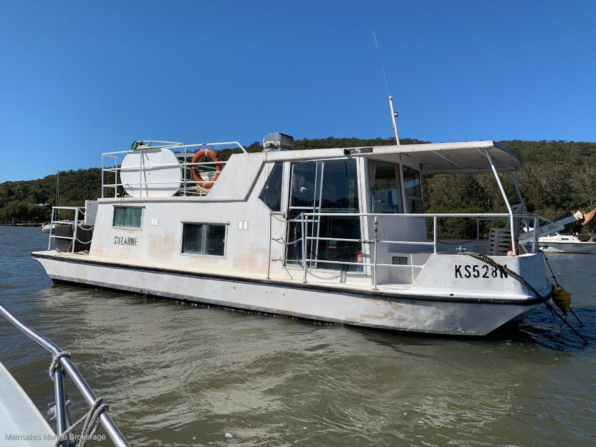 Fenwicks Houseboat