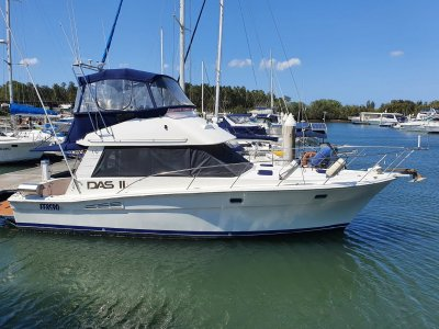 Riviera 35 Blue Water Flybridge