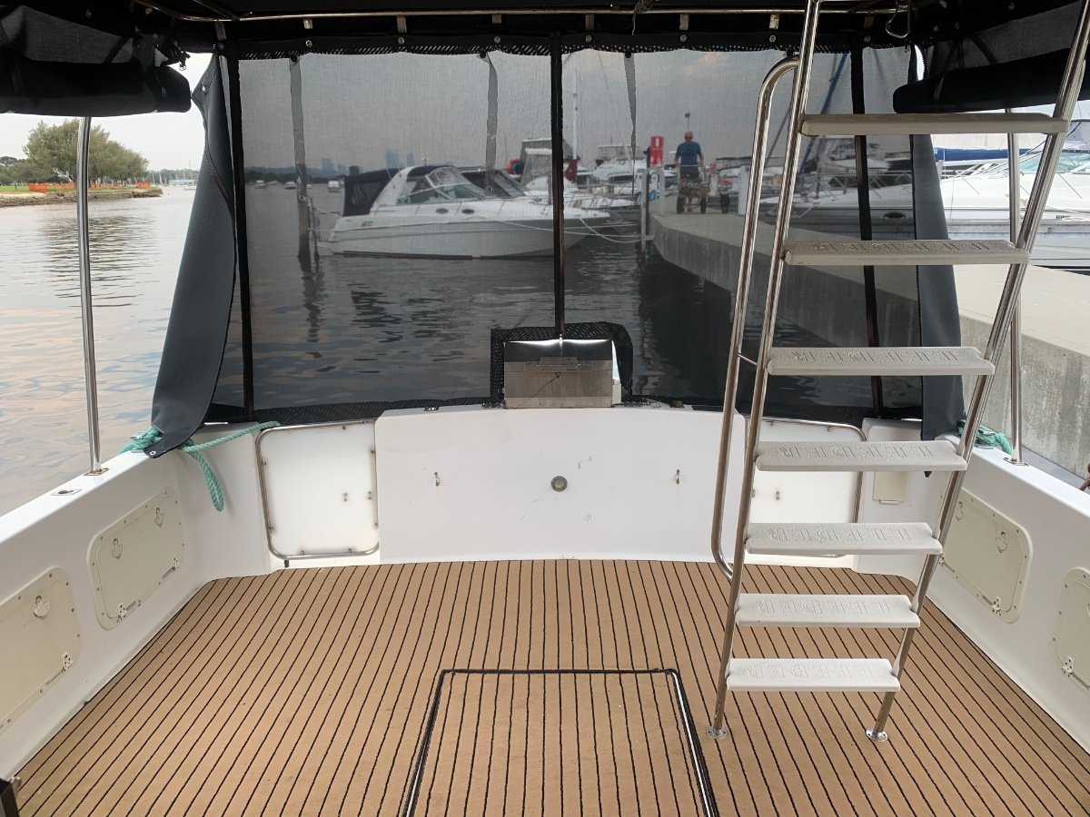 Leeder 40 Flybridge Cruiser
