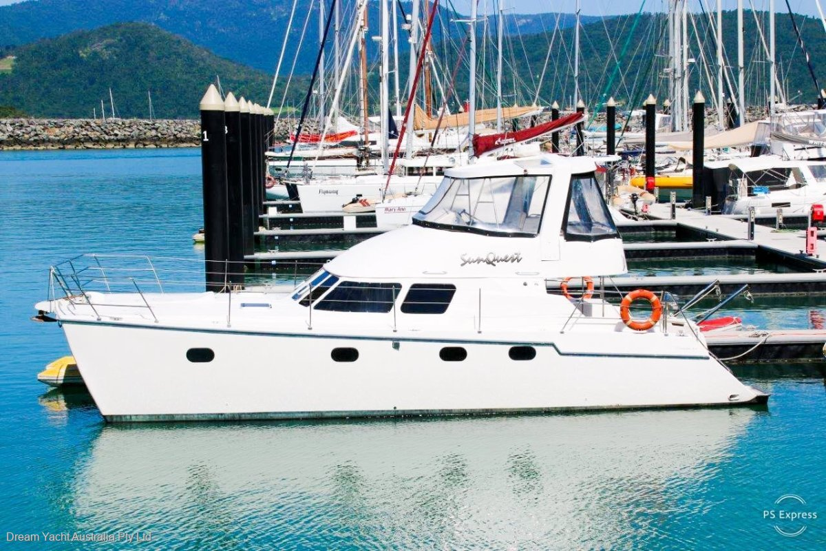 Conquest 44 Power Catamaran