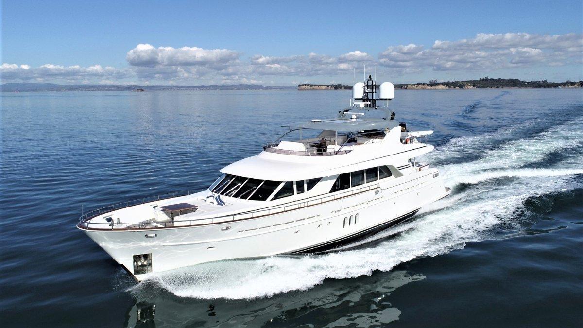 Mulder 98' Yacht