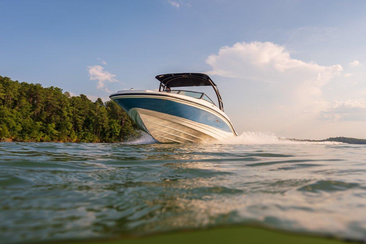 Sea Ray 210 SPX Bowrider