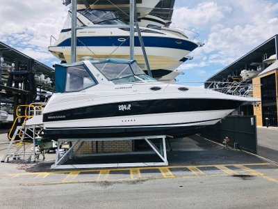 Mustang 2800 Sportscruiser New clears and a perfect day boat