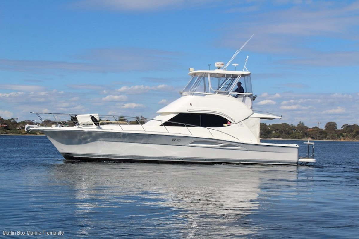 Riviera 42 Flybridge With Bow Thruster