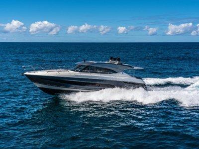 Riviera 5400 Sport Yacht PLATIUM EDITION