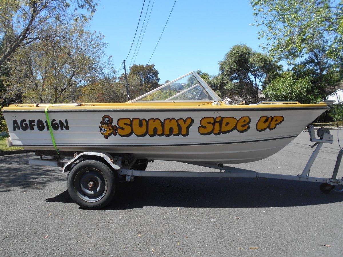 Custom Fiberglass Clinker Speed boat needs repair