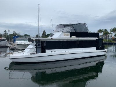 Peter Jackson Home Cruiser 42